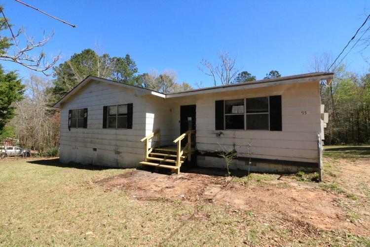 95 Lauderdale Avenue, Monroeville, Alabama