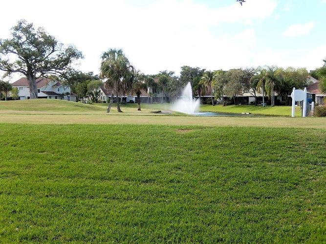 7450 Pinewalk Dr S, Margate, Florida