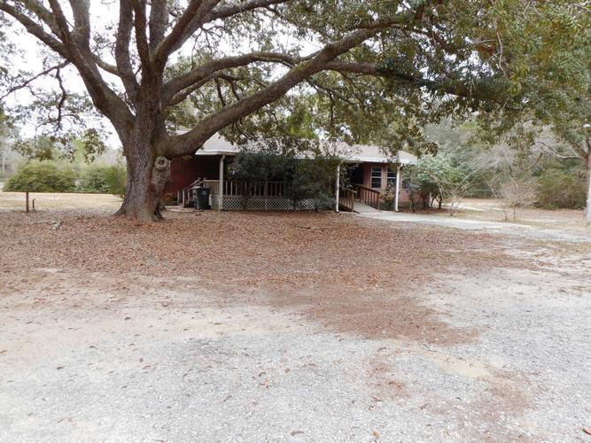 4153 Ward Basin Rd, Milton, Florida