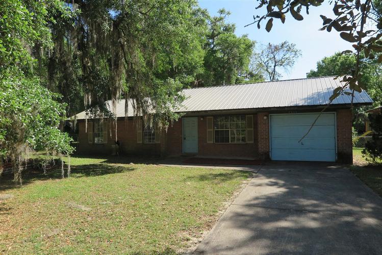 5913 Se 229th Ter, Hawthorne, Florida