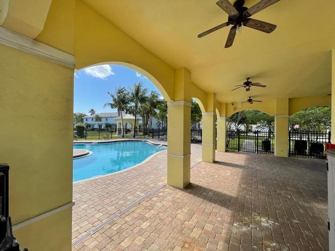 3456 Nw 14th Court, Lauderhill, Florida