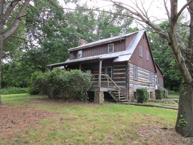308 Saumsville Rd, Maurertown, Virginia