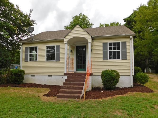 2215 Wood Ave, Florence, Alabama