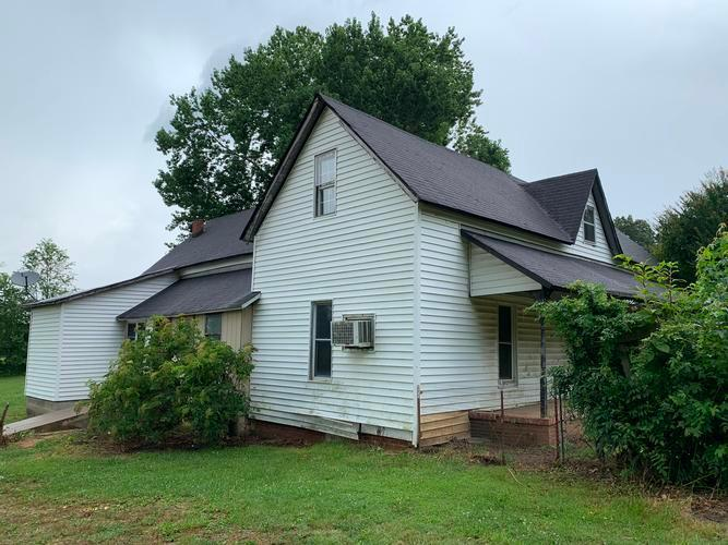 1050 Rue Hammer Road, Cedar Grove, Tennessee