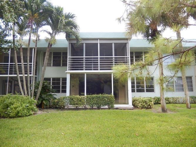 901 Cypress Grove Drive Unit 102, Pompano Beach, Florida