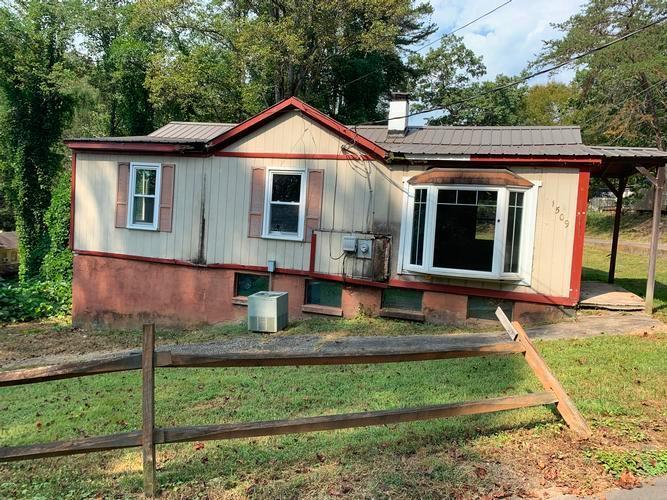 1509 Hedden Pl Nw, Lenoir, North Carolina