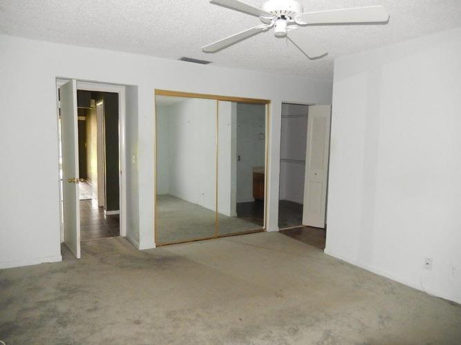 3039 Lake Shore Drive, Deerfield Beach, Florida