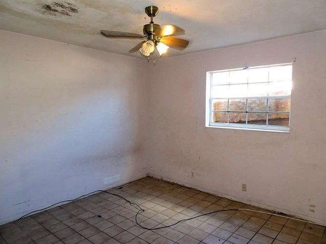4461 Nw 22 Street, Lauderhill, Florida