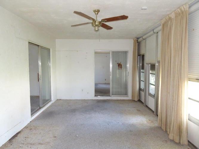6905 Nw 76th Drive, Tamarac, Florida