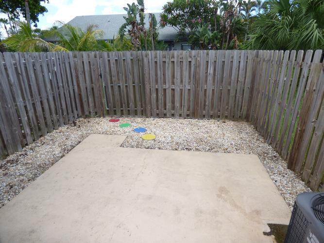 412 N Cypress Dr 13, Tequesta, Florida