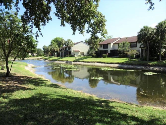4748 Carambola Circle N 27129, Coconut Creek, Florida