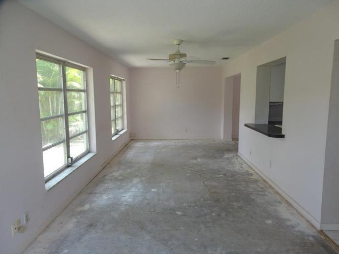 6975 Nw 17th Street, Margate, Florida