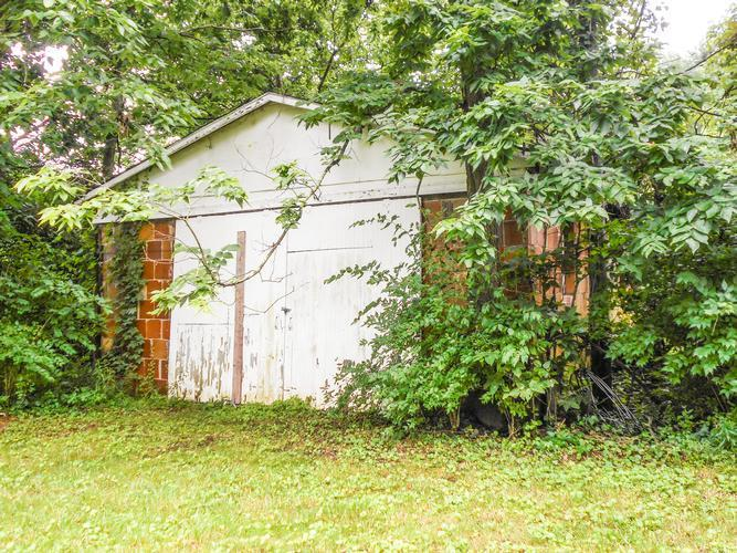 11659 Chesterville Rd, Moores Hill, Indiana