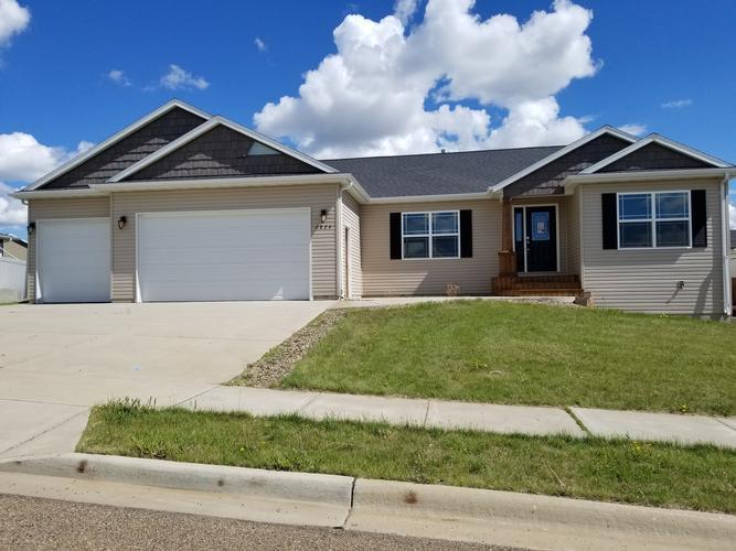 2824 Prairie Oak Dr Dickinson Nd 58601 Homepath Com