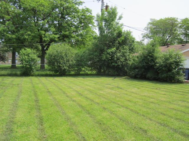 6825 Garden Ln, Bridgeview, Illinois