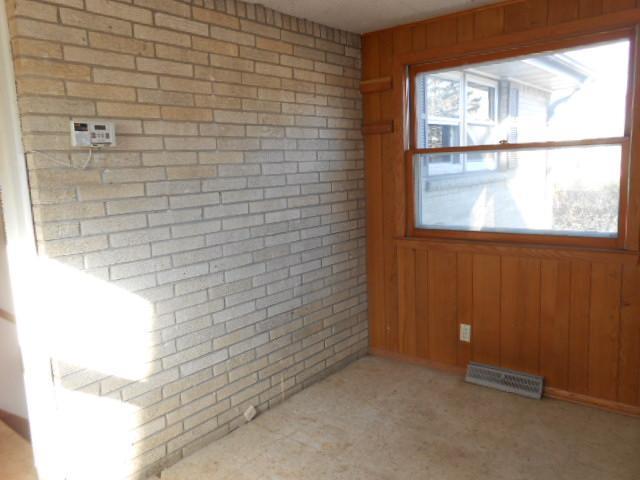 10161 S Nicholson Rd, Oak Creek, Wisconsin