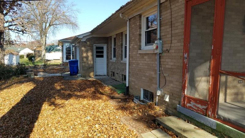 1875 25th Ave Ct, Moline, Illinois