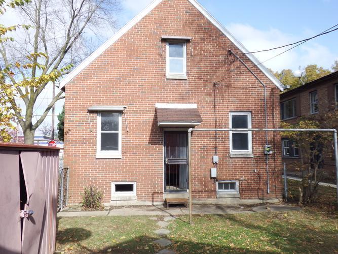 3835 W Fairmount Ave, Milwaukee, Wisconsin