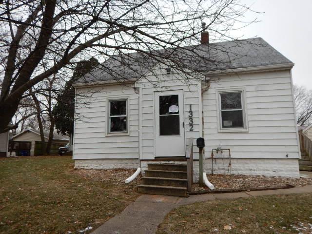 1332 Knoll Avenue, Waterloo, Iowa