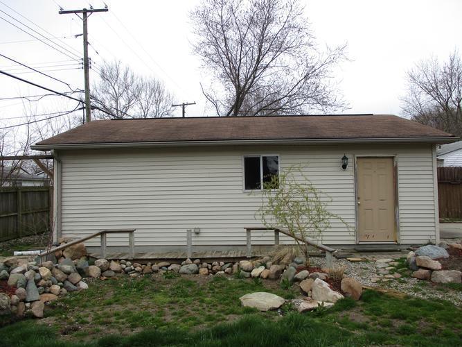 34923 Wick Rd, Romulus, Michigan