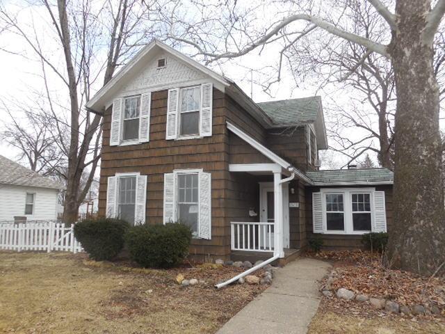 2435 Grand Ave, Davenport, Iowa