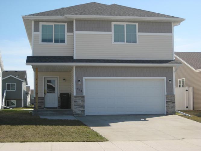 953 28th Ave W, West Fargo, North Dakota