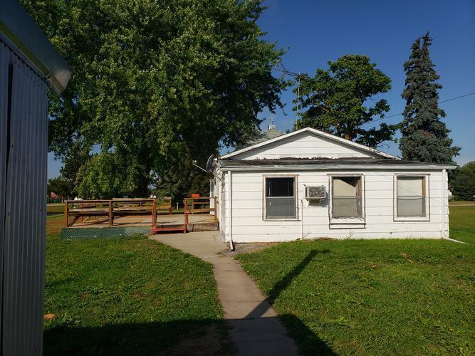 215 S Main St, Litchfield, Nebraska