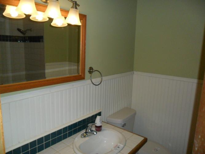 N8 W27182 Jills Dr, Waukesha, Wisconsin