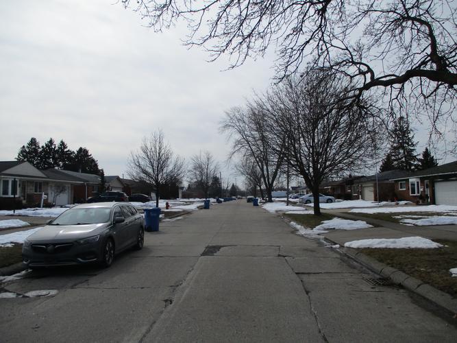 25555 Thomas Drive, Warren, Michigan