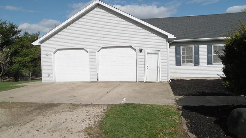 4304 E 7th Rd, Mendota, Illinois