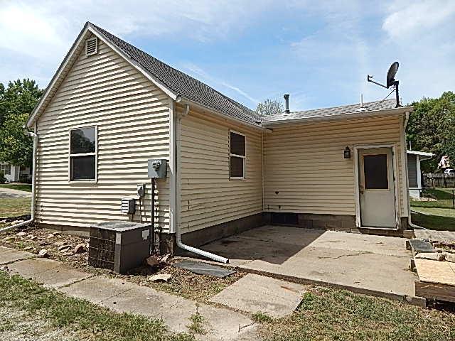 603 W Hutchings Street, Winterset, Iowa