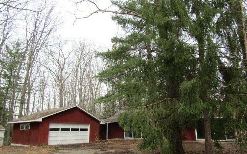 8275 N Loxley Rd, Roscommon, Michigan