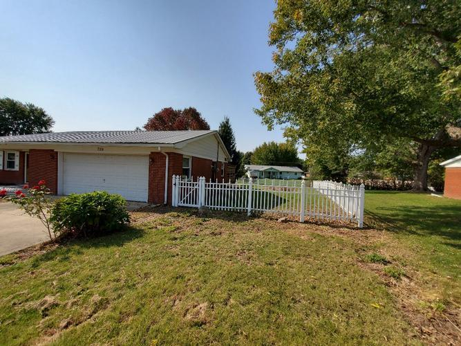 729 Avalon Ct, Greentown, Indiana