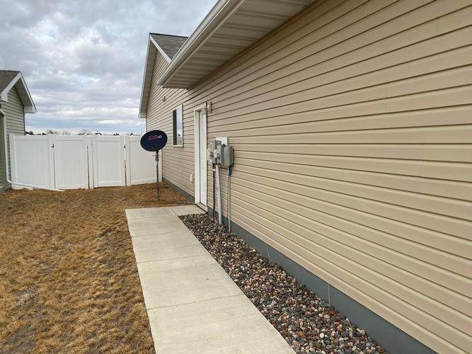 5321 15th Ave Se, Minot, North Dakota