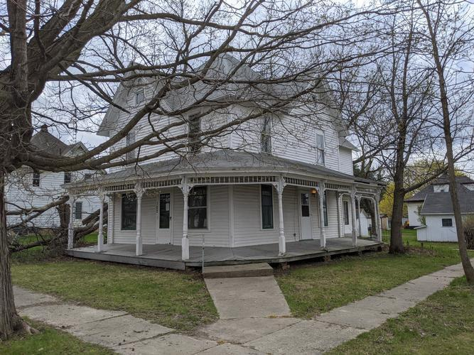 102 S Chestnut St, Shannon, Illinois
