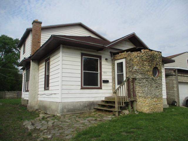 1810 E Maple St, Kankakee, Illinois