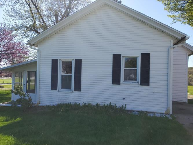 402 S Michigan St, Lakeville, Indiana
