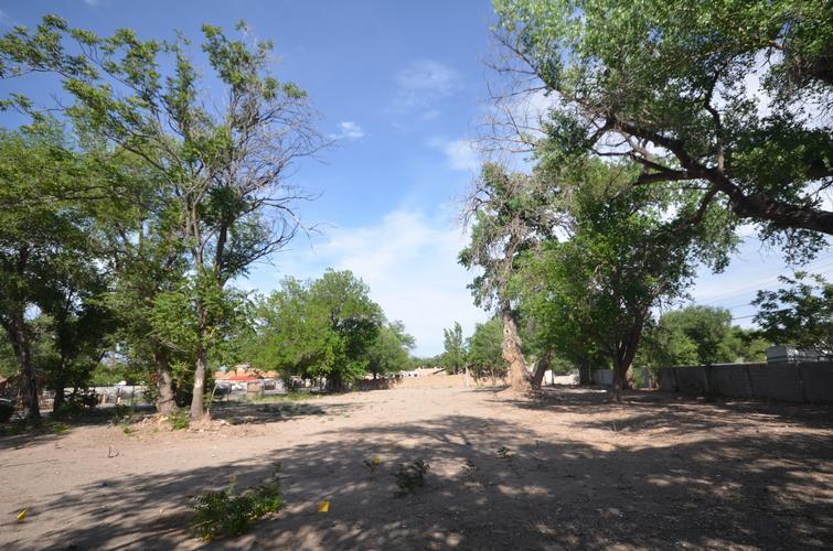 1824 Lake Dr Sw, Albuquerque, New Mexico
