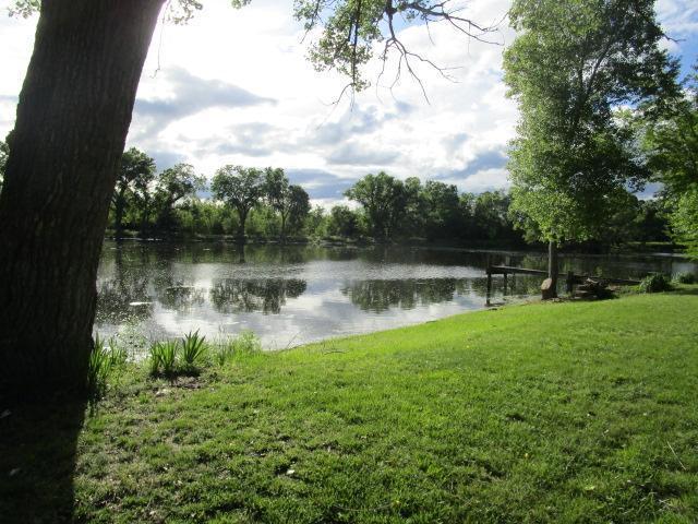 2505 N Meadow Lake Dr, Hutchinson, Kansas