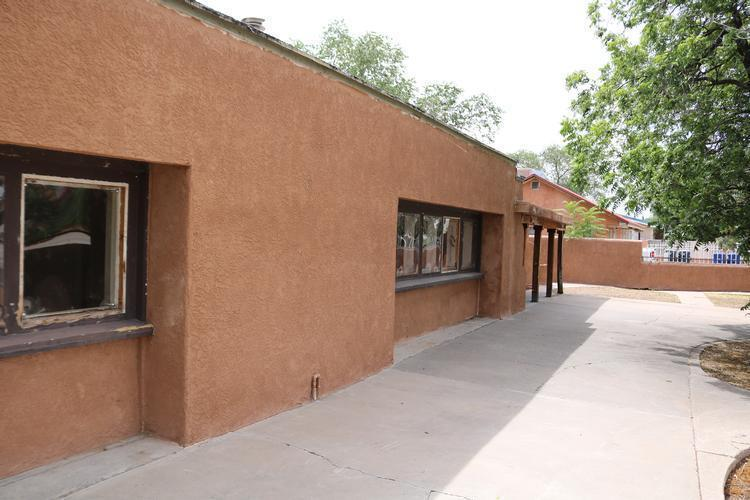 742 57th St Nw, Albuquerque, New Mexico
