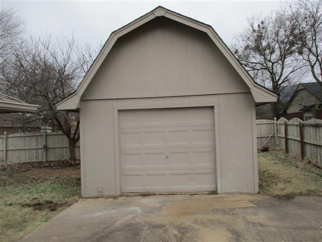 2403 Redwood Lane, Poteau, Oklahoma