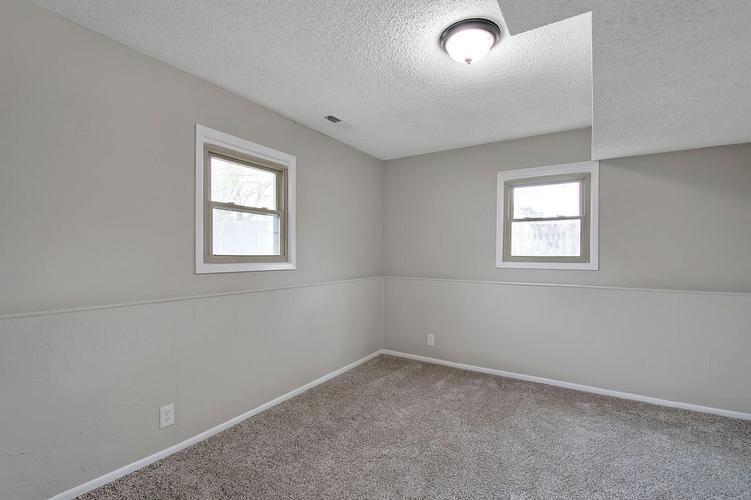 915 E 32nd Ter, Hutchinson, Kansas
