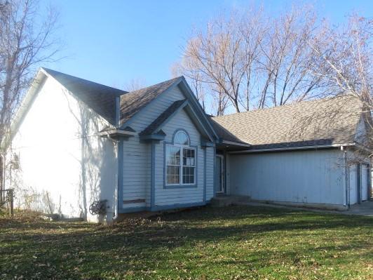 12970 South Lakeshore Dr, Olathe, Kansas