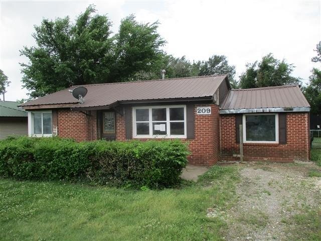 209 Grimes Ave, Holdenville, Oklahoma