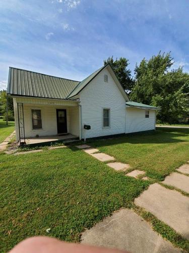 137 W 11th St, Horton, Kansas