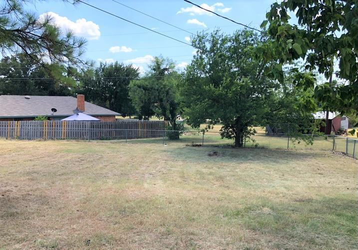 1833 Timberlane, Jacksboro, Texas