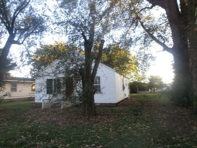 407 Naomi St, Charleston, Missouri