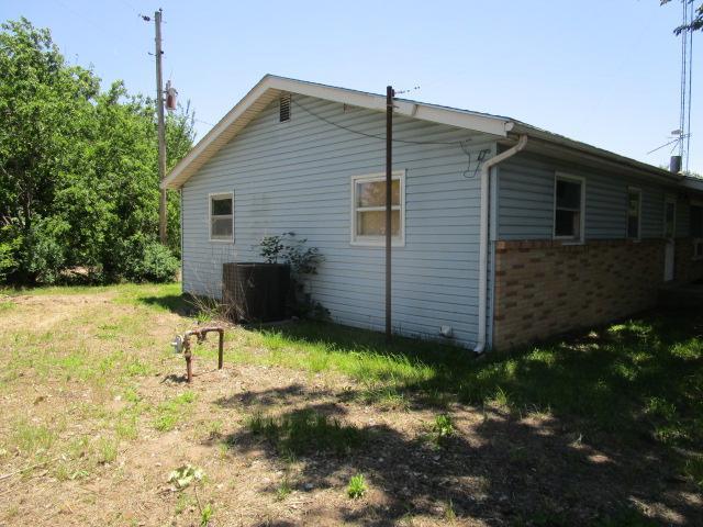 519 W Avenue C, Sylvia, Kansas