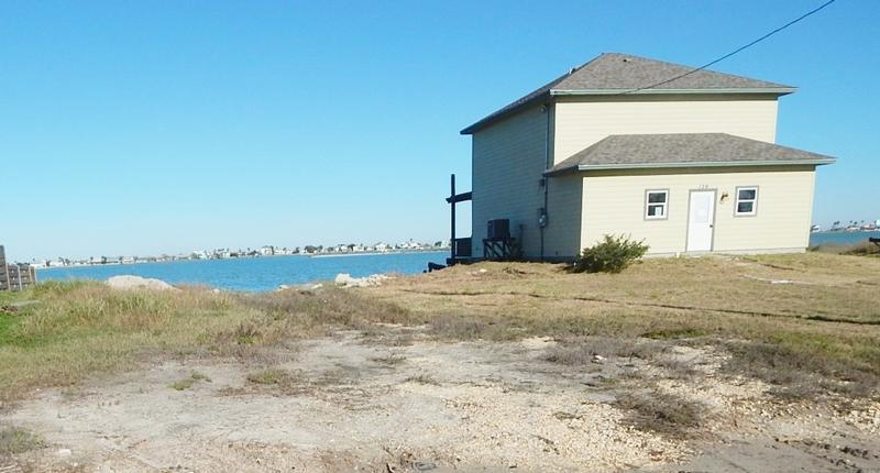 139 Lakeshore Dr, Rockport, Texas
