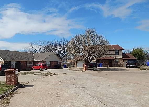 2320 Heatherfield Lane, Norman, Oklahoma